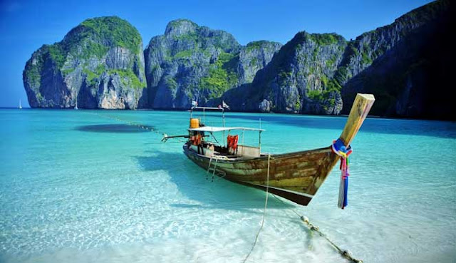 Kemasi pakaian pantai dan tabir surya Anda 10 DESTINASI PANTAI PALING POPULER DI ASIA TENGGARA