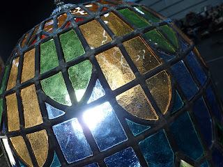 Lámpara tipo Tiffany de vidrio coloreado