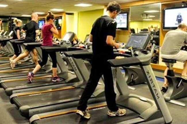 Pagi, Siang, atau Malam Waktu yang Tepat untuk Olahraga Bakar Lemak?