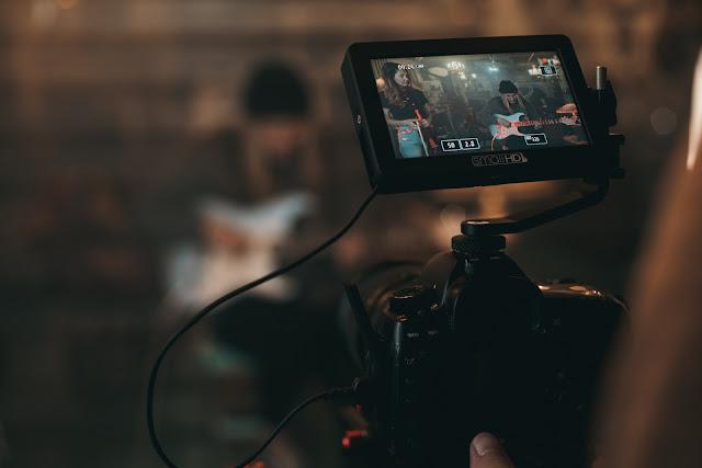 【攝影情報】受疫情影響,高達 19% 攝影產業人員面臨轉職 (by Lensrentals.com) - 並非全盤的不樂觀