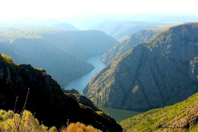 Impresionantes cañones del río Sil en la Ribera Sacra en Orense