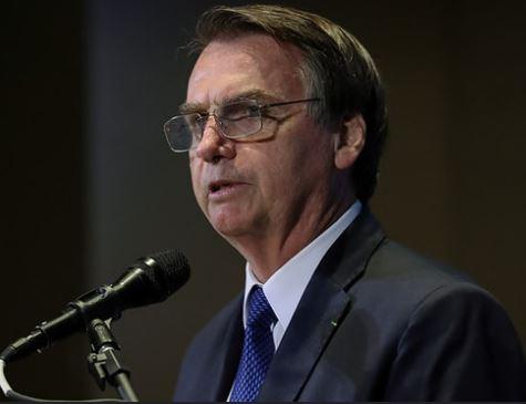 Bolsonaro enaltece fim de conselhos com atuação da sociedade
