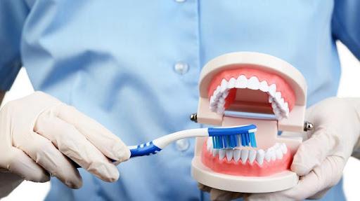 Saiba como maus hábitos adquiridos na pandemia podem influenciar na saúde bucal