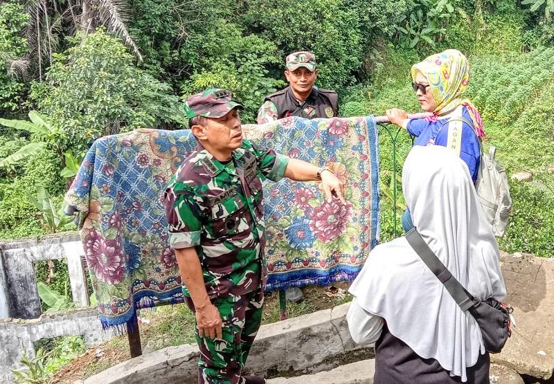 Kol.Inf Amir Mahmud: Berharap Warga Tidak Buang Sampah Dibantaran Sungai Angkron
