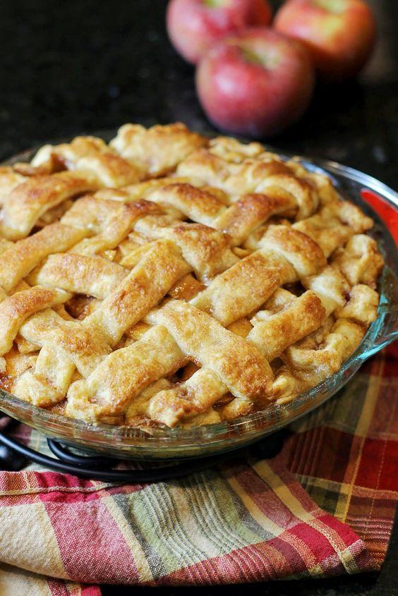 https://audreysapron.wordpress.com/2013/12/20/the-best-apple-pie-ever/
