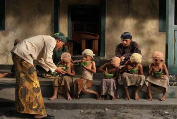 Kisah Teladan Bagaimana Hebatnya Pahala Menyantuni Janda Dan Anak Yatim