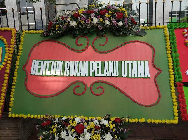 MAKI Minta Pengadilan Tertibkan Karangan Bunga Dukungan Terhadap Terdakwa Jiwasraya