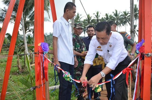 Plt Bupati Sinjai Resmikan Jembatan Gantung Kambuno