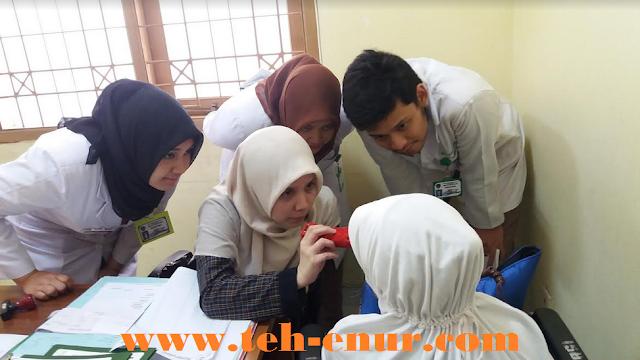 Pemeriksaan di poli mata rumah sakit Dustira Cimahi