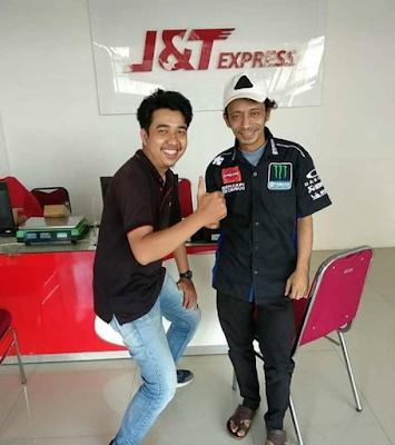 Valentino Rossi Punya Kerja Sampingan  Di J&T EXPRESS???