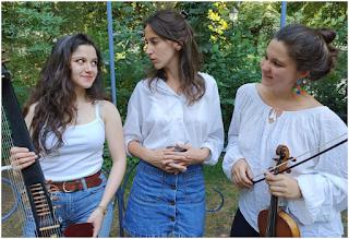 photo Ensemble Dargason : Jeanne Zaepffel, Soprano, Léa Masson, Théorbe, Maud Sinda, violon baroque corny frenelles en vexin