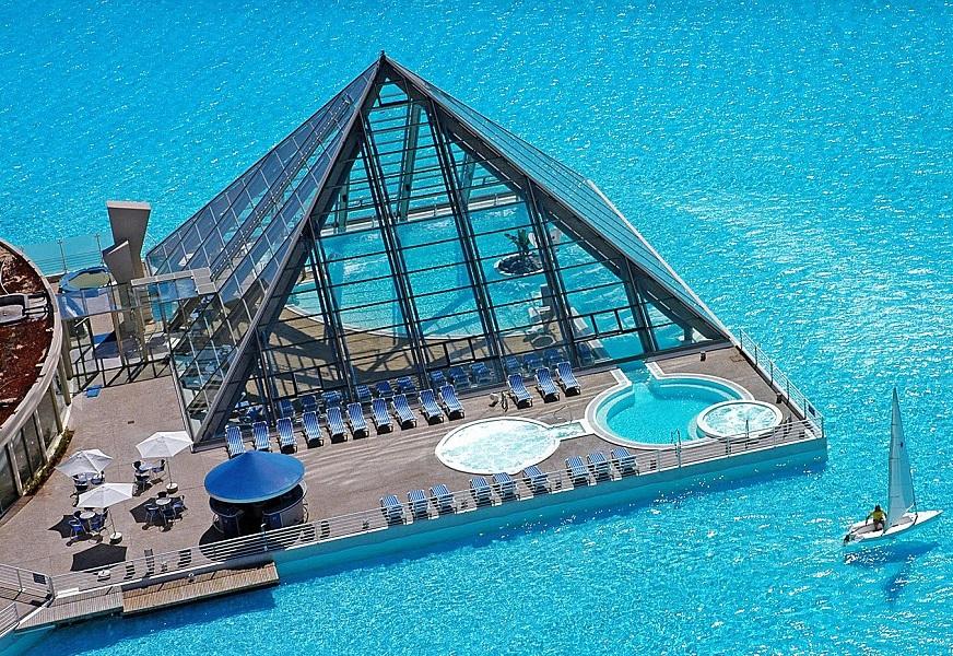 World 39 s largest swimming pool chile dreams destinations - San alfonso del mar resort swimming pool ...