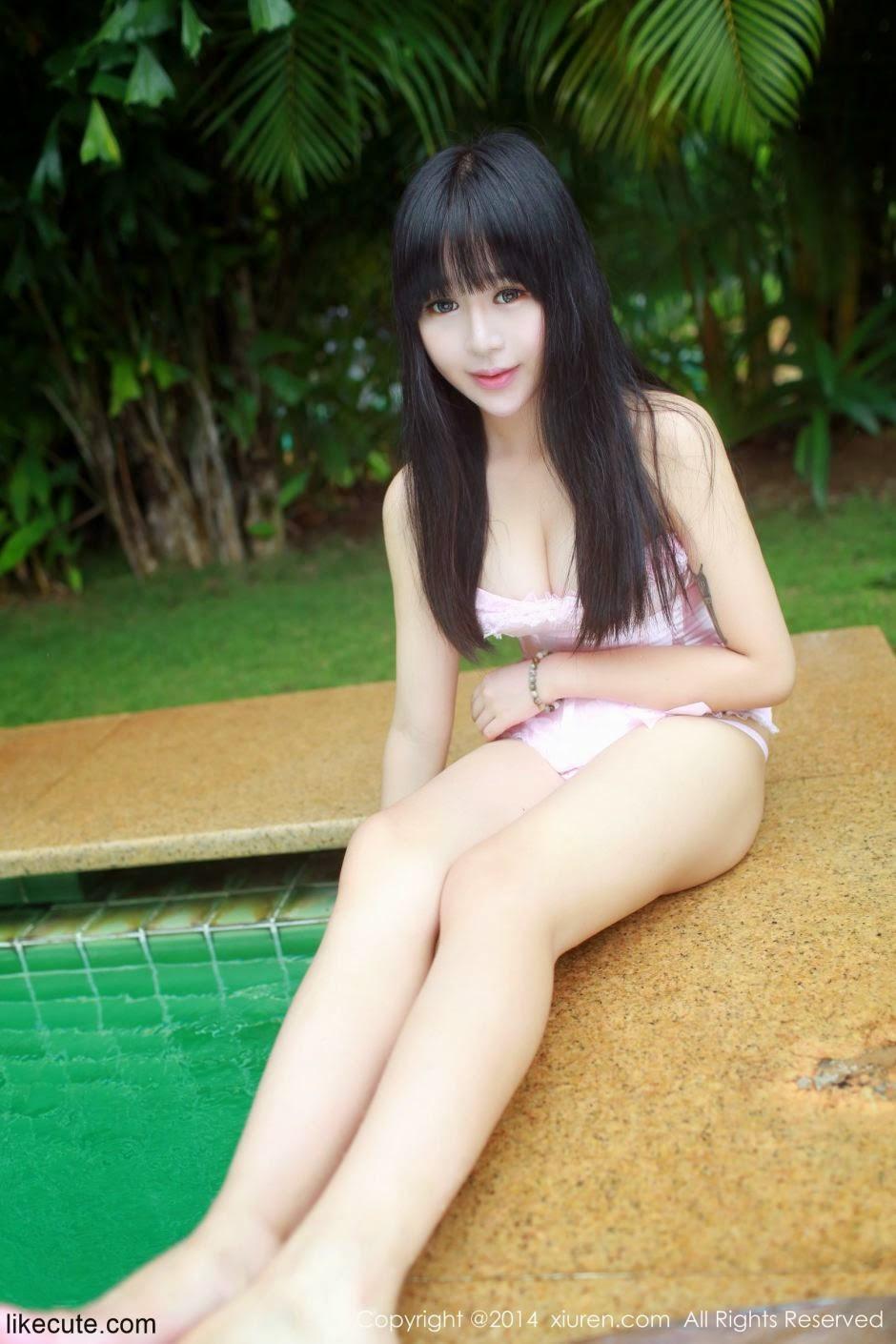 Hot girl dễ thương trong trang phục bikini