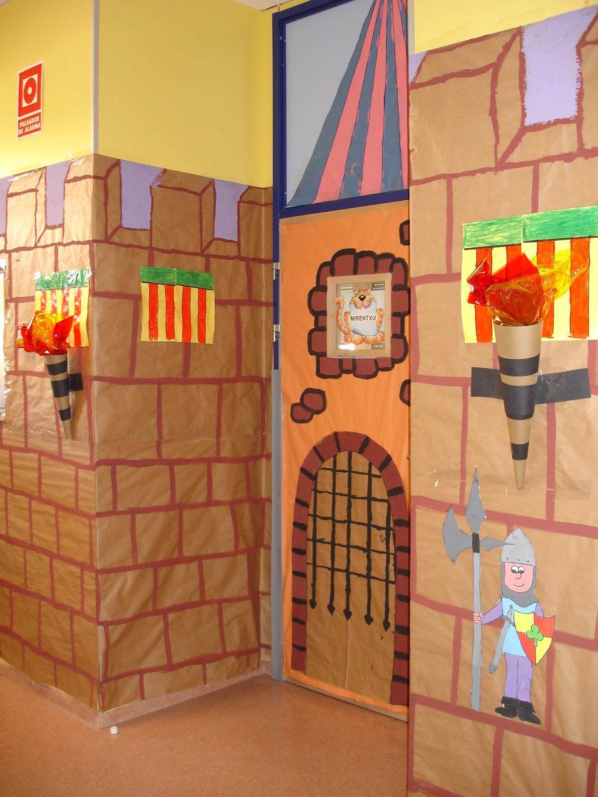 La clase de miren mis experiencias en el aula for Puertas escolares decoradas