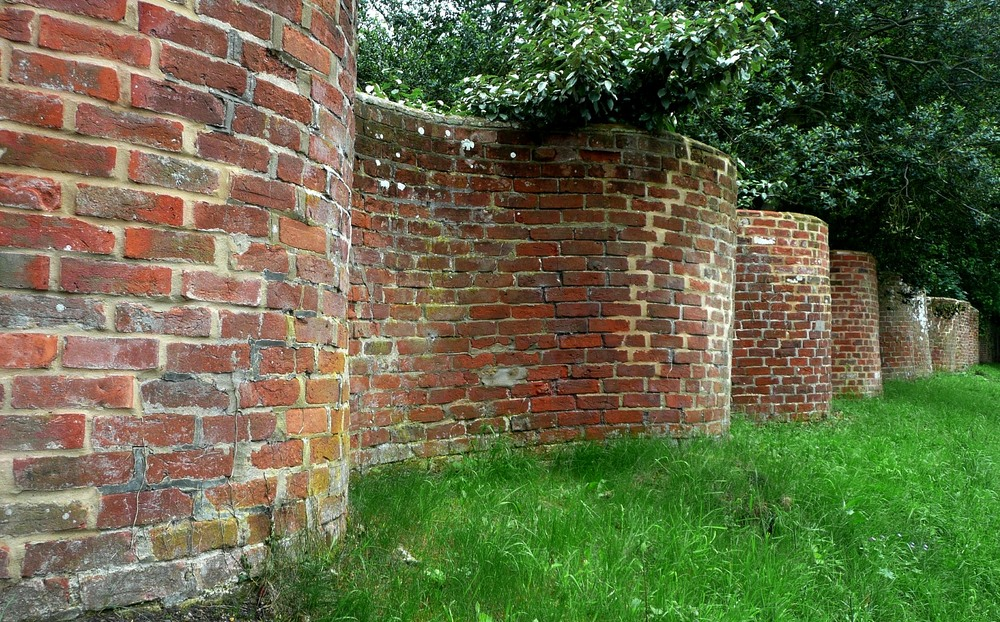 Crinkle-Crankle Walls