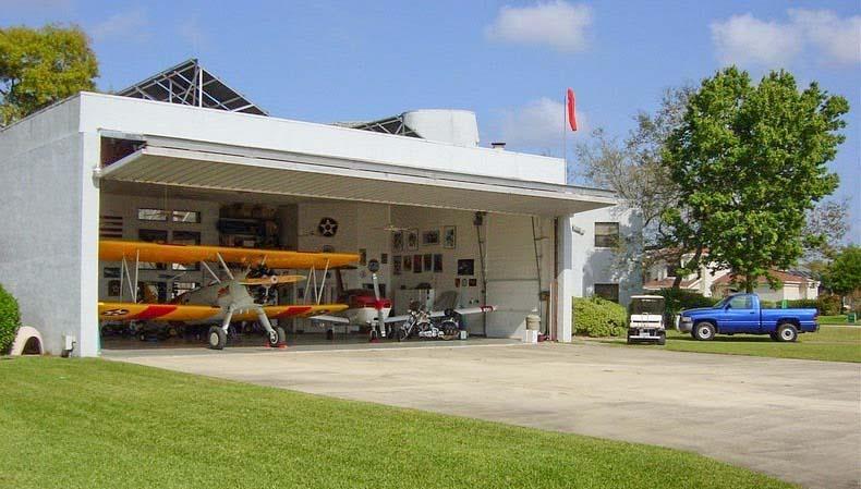 Los garajes para aviones de Spruce Creek | EE.UU: