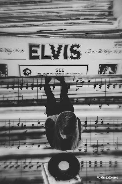 Elvis et Françoise. Art by Rachel Hancock @retrogoddesses
