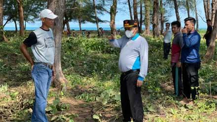 Wabup Rahmang Ikut Gotong Royong di Pantai Penyu Korong Tanjung Gasan Gadang