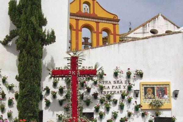 La Agrupación de Cofradías de Córdoba propone Septiembre para las Cruces de Mayo de este año