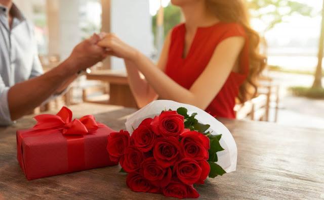 Urocze prezenty walentynkowe dla par