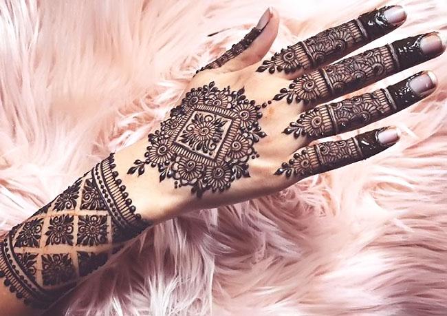 Full-hand Jewellery Mehndi design for Back Hand