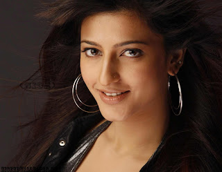 Hot Actress Shruti Hassan