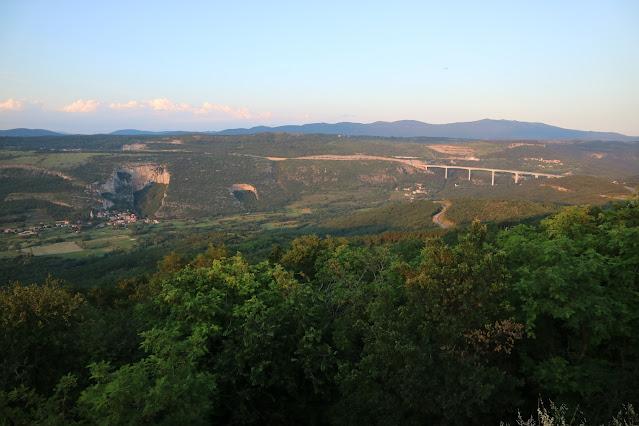 Osp, Mišja peč in viadukt