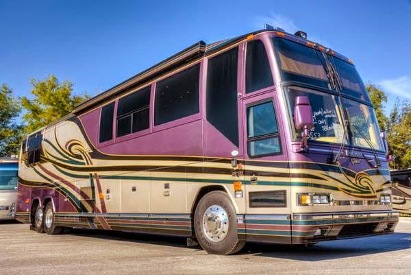 Used rvs 2000 prevost featherlite vantare bus for sale by for Prevost motor coach sales