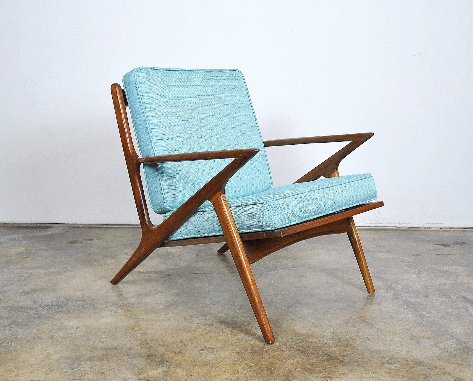 Select modern poul jensen for selig style teak z lounge chair for Poul jensen z chair