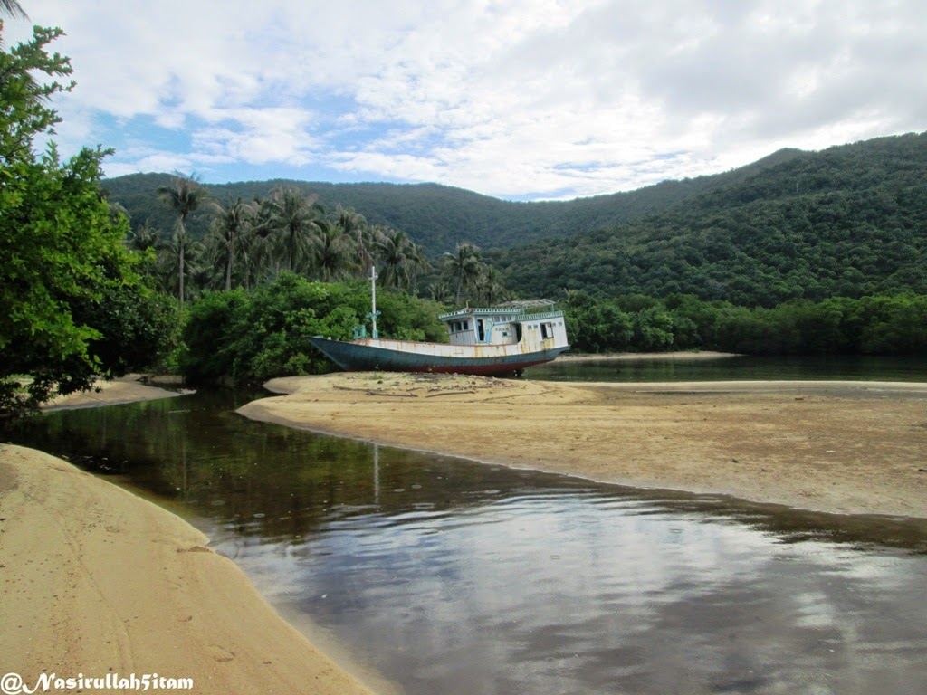 Pantai disalah satu sudut Legon Lele, Karimunjawa