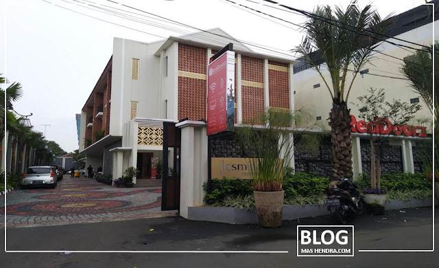 RedDoorz Premium Near Ragunan Zoo 2 - Blog Mas Hendra