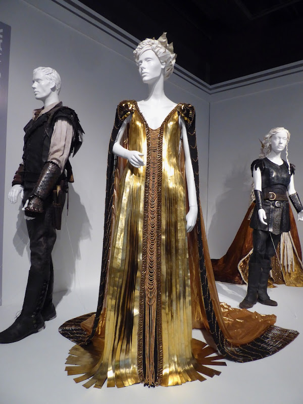 Charlize Theron Huntsman Winters War Ravenna costume