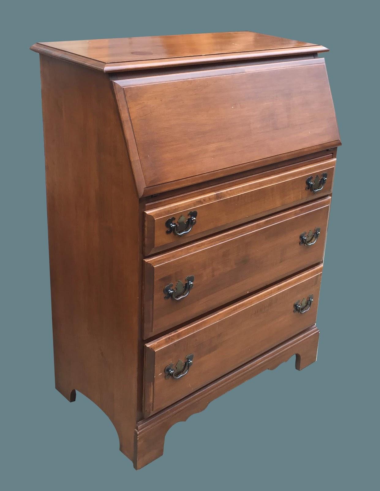 f74c0103253b Uhuru Furniture   Collectibles  Vintage Medium Wood 3-Drawer ...