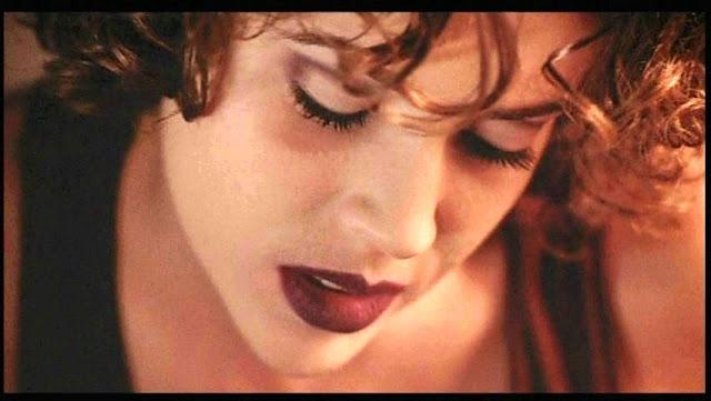 Alyssa Milano goth look Embrace of the Vampire 1995 movieloversreviews.filminspector.com