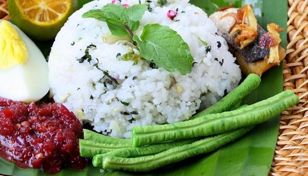 10 Makanan Malaysian Terkenal Yang Mesti Pelancong Cuba Semasa Berada Di Malaysia