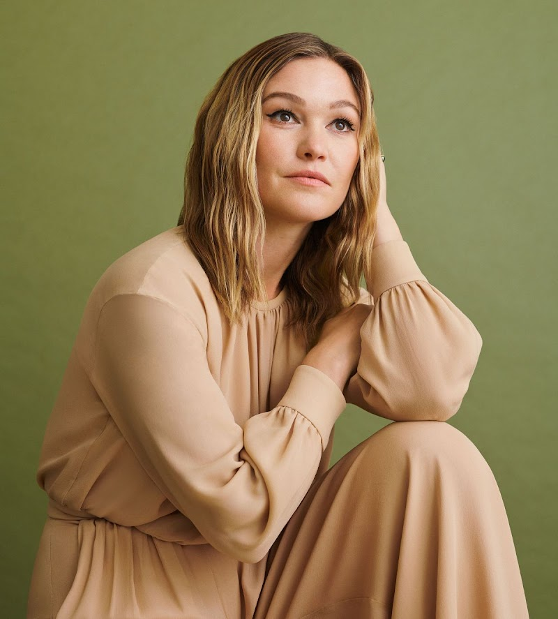 Julia Stiles Clicked for Instyle Magazine - October 2019