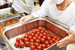ミニトマト給食に登場