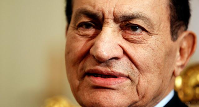 أول دولة عربية تعلق على وفاة الرئيس المصري الأسبق حسني مبارك