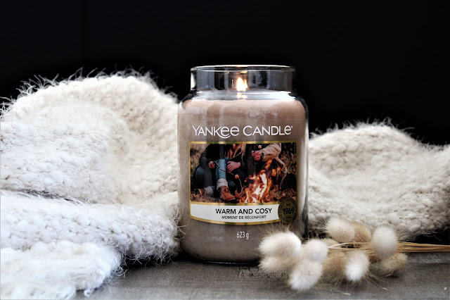 yankee candle warm and cosy avis, warm and cosy, yankee candle warm and cosy review, new yankee candle, yankee candle campfire nights, bougie parfumée, bougie yankee, yankee candles, candle review, scented candle, avis yankee candle