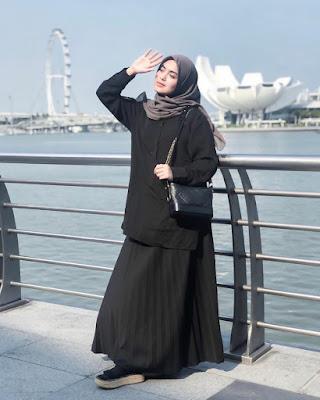 Over Size T Shirt dan Rok Plisket cantik cewek hijab'