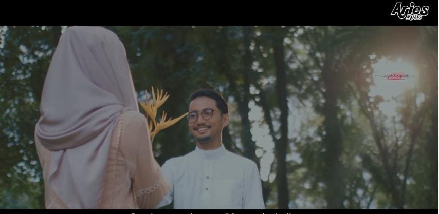 Lirik Lagu Di Matamu - Sufian Suhaimi | Feel Habis!