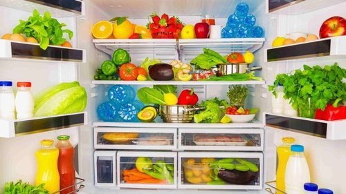 Bagaimana Cara Menyimpan Makanan Dalam Kulkas Agar Tahan Lama?
