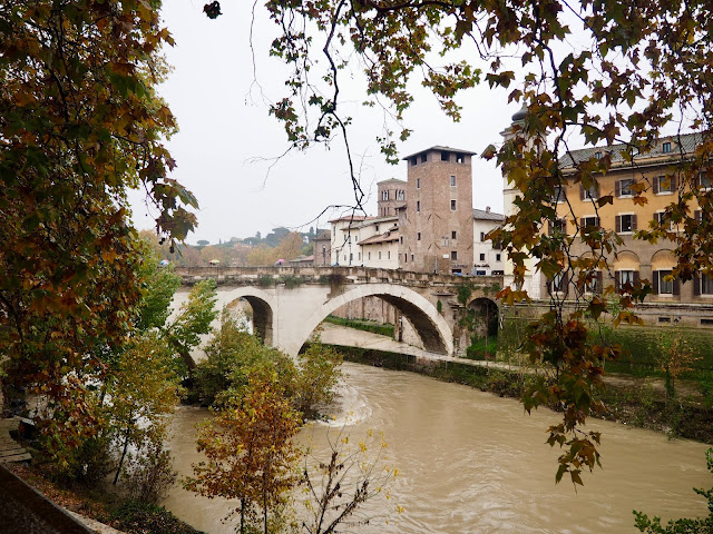 River Tiber & Isola, Rome, Italy