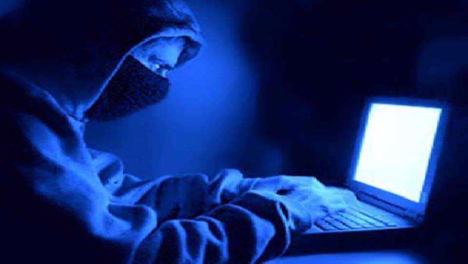 محتالو الإنترنت يستغلون كورونا.. 5 ملايين دولار خسارة