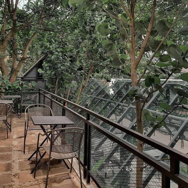 Kopi Bawah Pohon Cafe Lembah Pakar Bandung