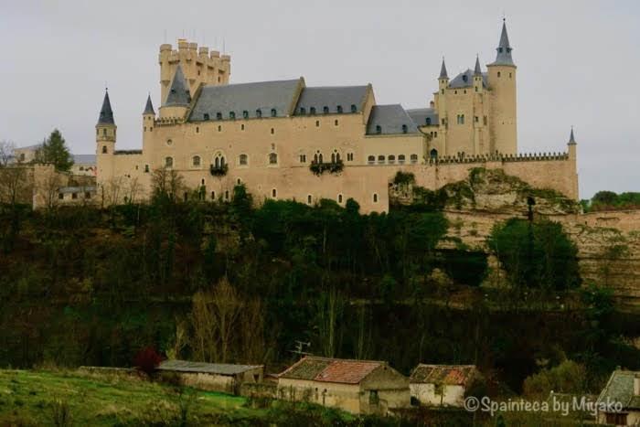 Segovia 白雪姫のモデルとなったと言われる世界遺産セゴビアのお城アルカサル