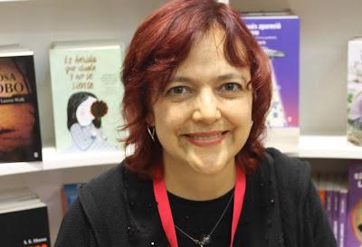 Reseña: Los Cazadores del Big Bang de Norma Muñoz Ledo