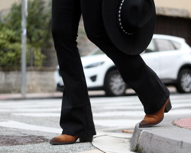 Look con pantalón de campana