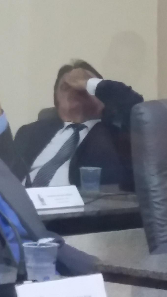 """FLAGRA: O """"cansaço"""" de Ximenes na política caxiense"""