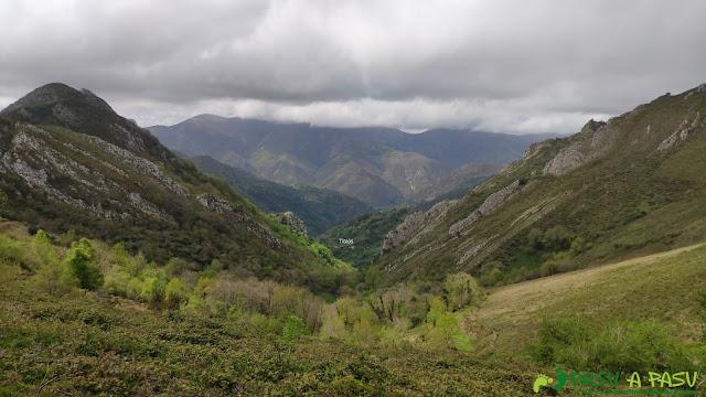 Bajando a Tiblós desde Llaurienzo